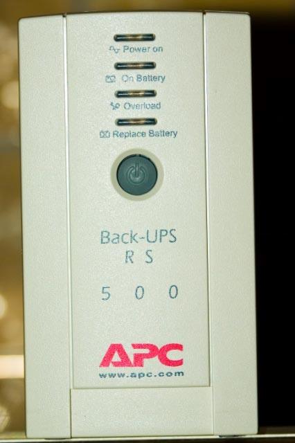 تعمیر یو پی اس apc مدل RS 500